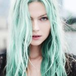 Pastel Renkli Ombre Saç Modelleri ve Saç Renkleri -dalgalı saç yeşil renkli