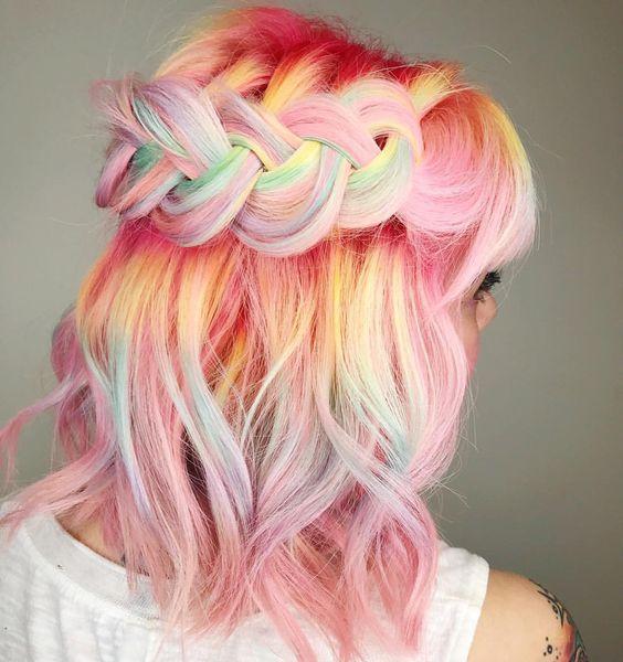 Pastel Renkli Ombre Saç Modelleri ve Saç Renkleri - örgülü saç pembe ve sarı renkli