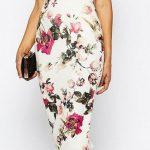 Çiçekli Elbise Modelleri dizaltı beyaz omzu açık fırfırlı