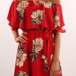 Çiçekli Elbise Modelleri kısa kırmızı omzu açık dökümlü kol
