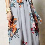 Çiçekli Elbise Modelleri uzun gri halter yaka