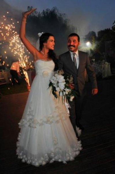 Dizi Setinde Tanışıp Evlenen Ünlüler