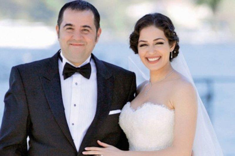 Dizi Setinde Tanışıp Evlenen Ünlüler Özge Borak ve Ata Demirer