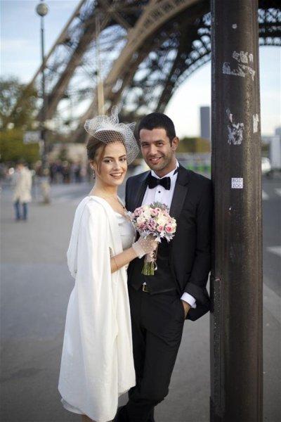 Dizi Setinde Tanışıp Evlenen Ünlüler Seda Güven ve Keremcem