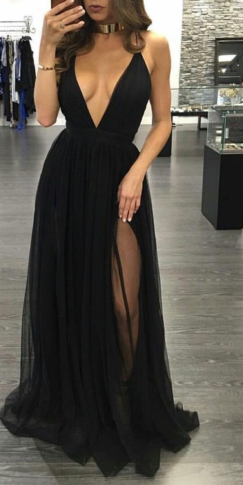 En Şık Gece Kıyafetleri 2020 Uzun Abiye Elbise Siyah Dekolteli