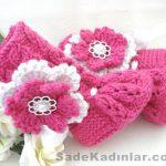 Örgü Bebek Patik Modelleri pembe renkli boyundan kat kat çiçekli