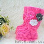 Örgü Bebek Patik Modelleri pembe renkli yandan çiçek motifli