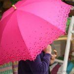 Şemsiye Modelleri pembe renkli kenarları delikişi desenli
