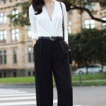 2019 Ofis Kombinleri Bayan Takım Elbise Siyah Bol Kesim Pantalon Beyaz V Yakalı Bluz
