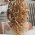 Gelin Başı Taçlı Kıvırcık Muhteşem Gelin Saç Modelleri
