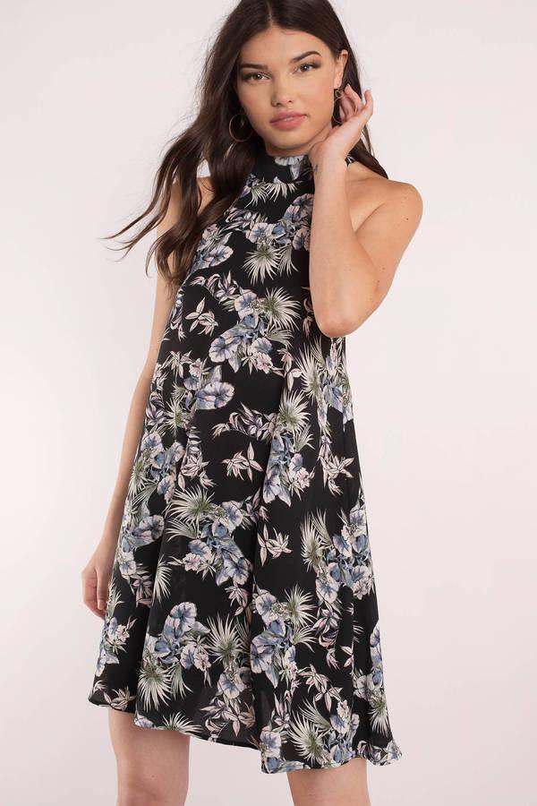 2021 Yazlık Kıyafet Kombinleri Siyah Çiçekli Kısa Elbise