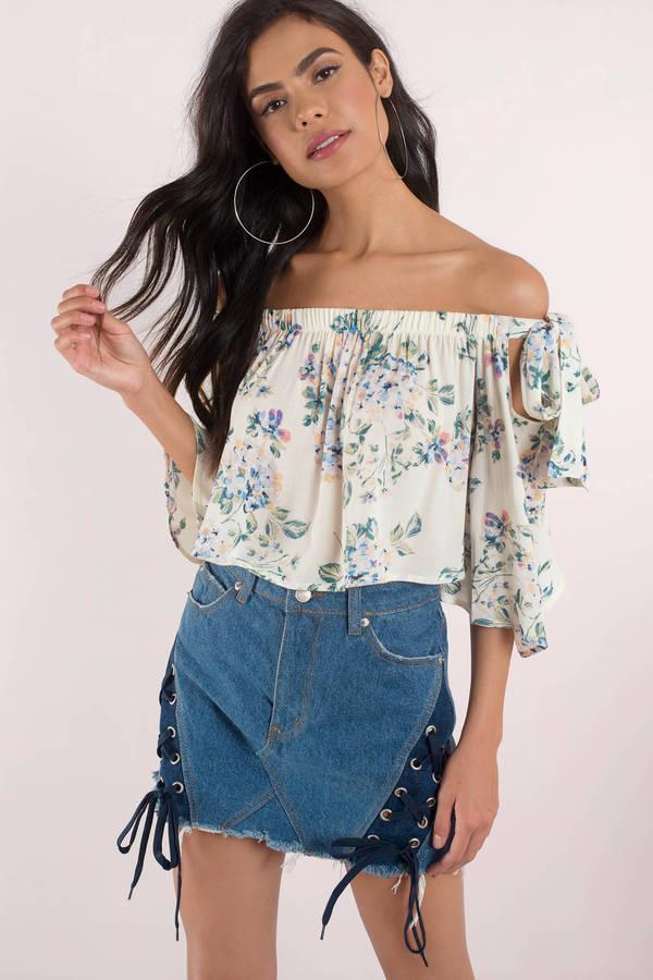 2019 Yazlık Kıyafet Kombinleri krem Omzu Açık Bluz Kısa Kot Etek