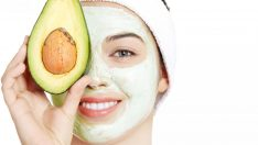 Kuru Ciltler İçin Nemlendirici Avokado Yüz Maskesi