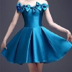 Saten Elbise Modelleri mavi kısa omzu açık kurdela süslemeli