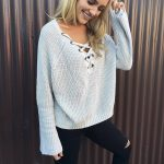 Triko Kazak Modelleri 2018 Kış Modası Gri V Yakalı Boyundan Bağcıklı
