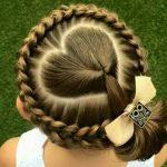 Çocuk Saç Modelleri Örgü Kalpli