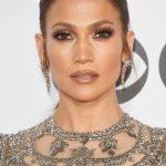 Pürüzsüz bir Cilt İçin Ünlülerin Güzellik Sırları Jennifer Lopez