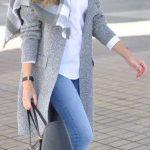 2019-2020 Sonbahar Kış Kombinleri Mavi Pantolon Beyaz Kazak Gri Mont
