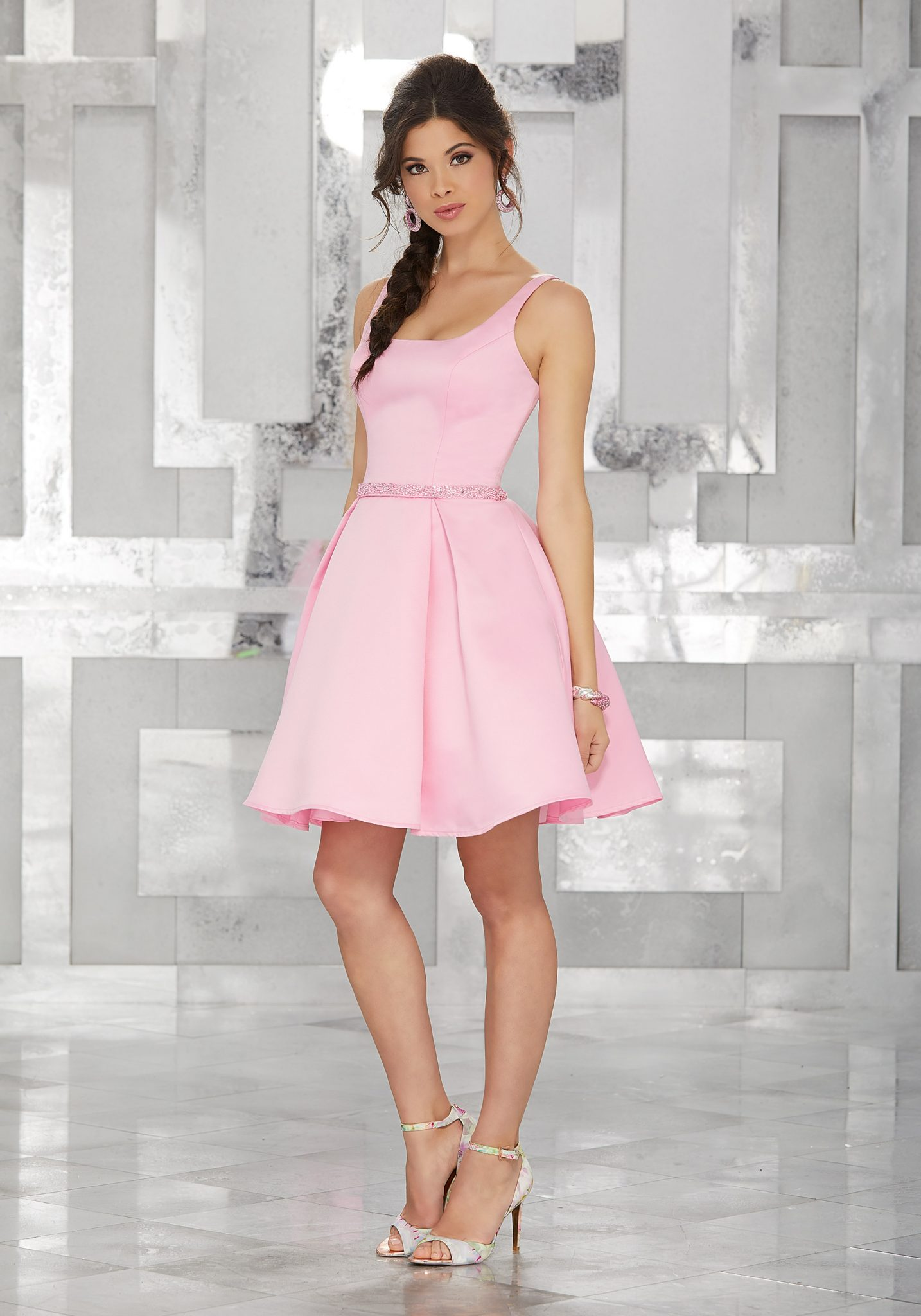 2020 Abiye Elbise Kısa Abiye Modelleri Pembe Askılı Saten Belden Boncuk İşlemeli Kemer