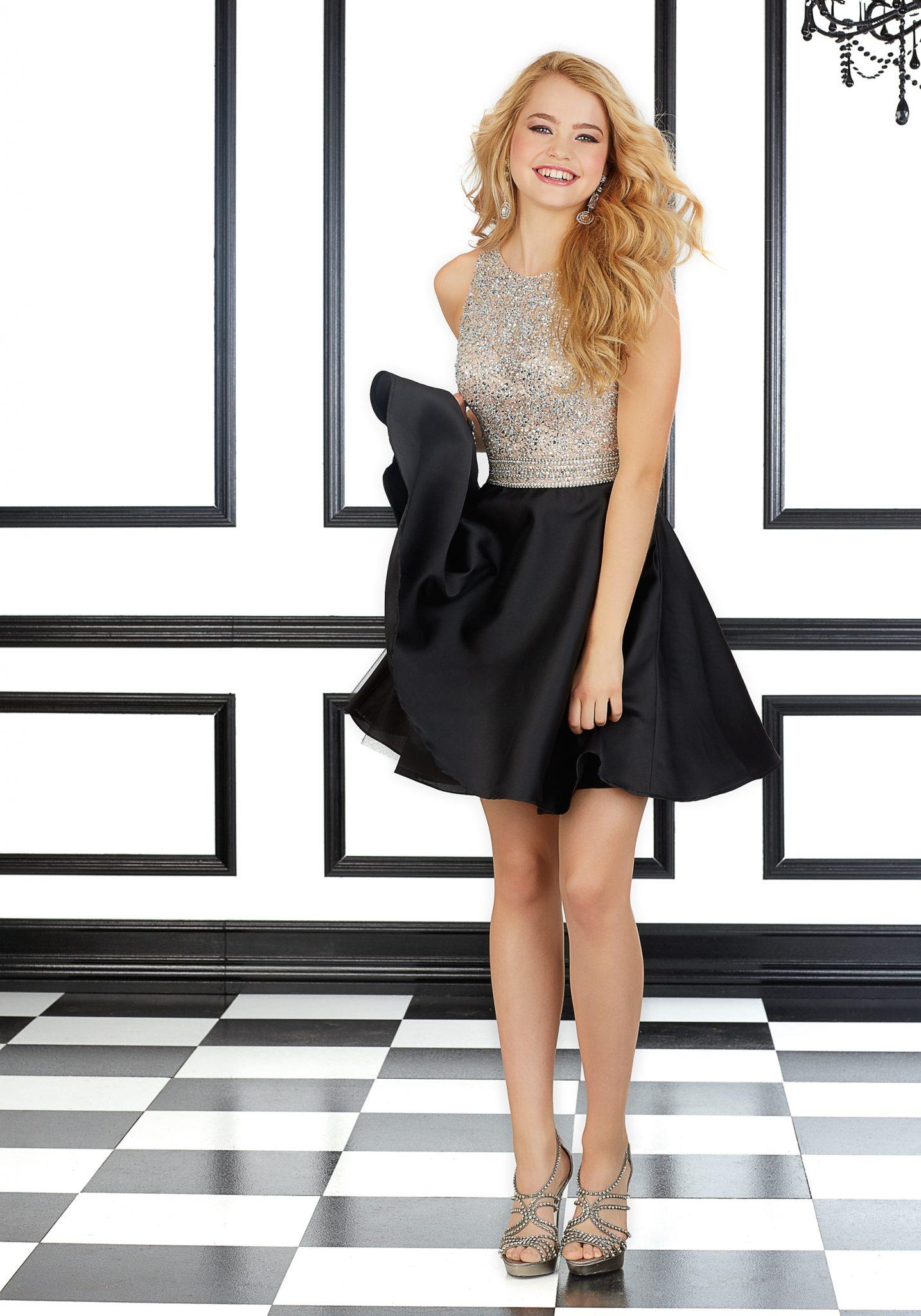 2020 Abiye Elbise Kısa Abiye Modelleri Siyah Kolsuz Saten etek Boncuk İşlemeli