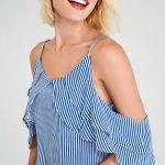 2018 Bluz Modelleri Mavi Askılı Düşük Kollu Fırfır Detaylı