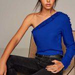 2018 Bluz Modelleri Saks Mavi Tek Omzu Açık Fırfırlı
