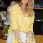 2018 Bluz Modelleri Sarı v Yakalı Kolları Güpür Dantelli