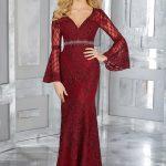 2018 Gece Elbiseleri Kırmızı Uzun V Yakalı Beli Kemerli Dantel Kol Detaylı