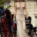 2020Abiye ve Gece Elbiseleri Krem Uzun Askılı V Yakalı Boncuk İşlemeli