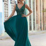 2020Abiye veGece Elbiseleri Yeşil Uzun Şifon Askılı V Yakalı