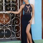 2020Abiye veGece Elbiseleri Şık Abiye Modelleri Siyah Uzun Halter Yaka Derin Yırtmaçlı