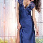 2019 Saten Gecelik Modelleri Saks Mavi Uzun V Yakalı Dantelli Yırtmaçlı