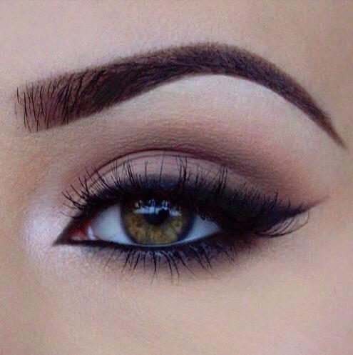 Işıltılı Göz Pınarı Makyajı