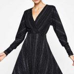 2018 Koton Elbise Modelleri Siyah Kısa V Yakalı Uzun Kollu