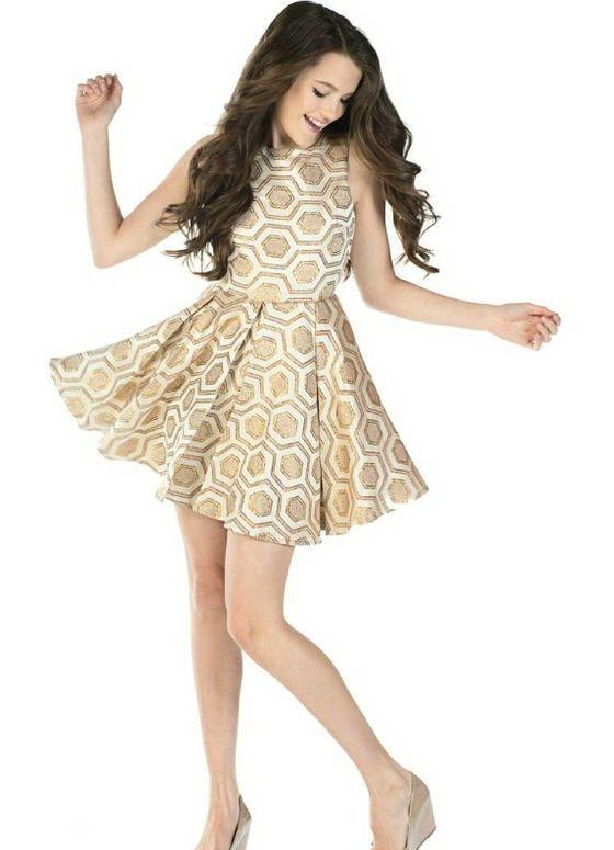 Mezuniyet Elbise Modelleri Gold Kısa Kolsuz Kalın Pile Etek Geometrik Şekil Desenli