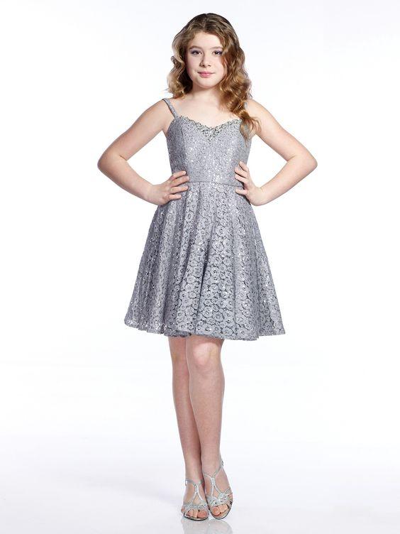 Mezuniyet Elbise Modelleri Gri Kısa Askılı Kalpli Yaka Güpür Dantel Kumaş