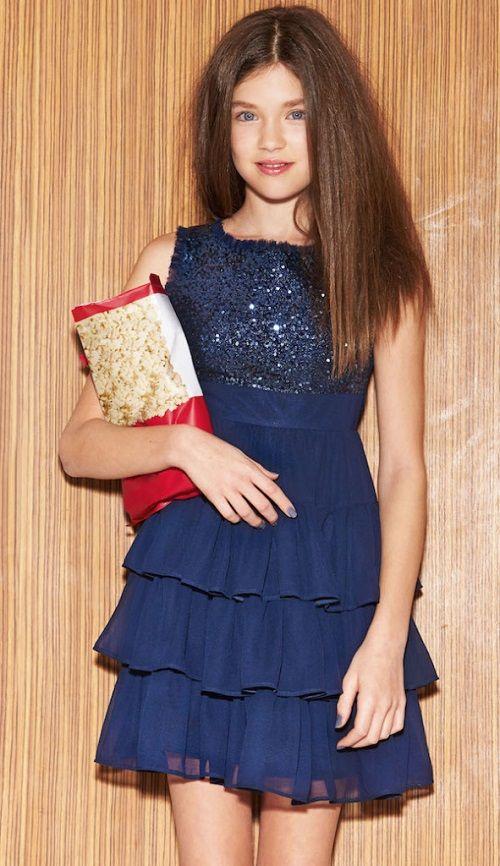 Çocuk Abiye Kıyafet Modelleri Modelleri Lacivert Kısa Kolsuz Eteği Üç Katlı Pul Payetli