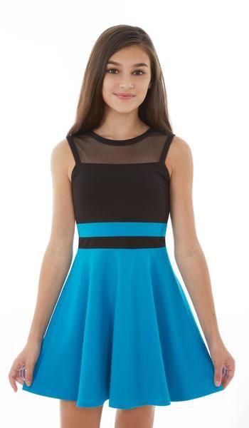 Çocuk Abiye Kıyafet Modelleri Modelleri Mavi Kısa Kolsuz Kloş İki Renk Tül Detaylı