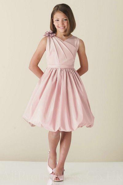 Mezuniyet Elbise Modelleri Pudra Diz Boyu Kolsuz Balon Etek Omuzda Gül Süslü