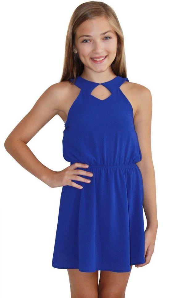 Mezuniyet Elbise Modelleri Saks Mavi Kısa Kloş Etek Kolsuz Belden Büzgülü