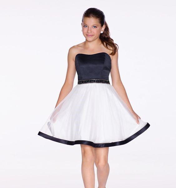 Mezuniyet Elbise Modelleri Siyah Beyaz İki Renk Kısa Straplez Kloş Etek Saten Boncuk Kemer