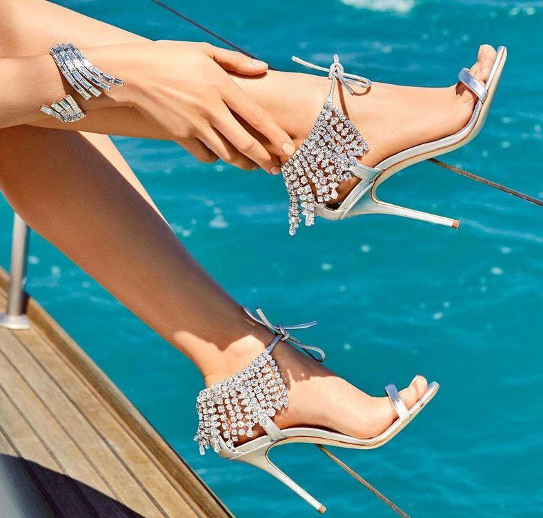Stiletto Ayakkabı Modelleri Gümüş Topuklu Bilekten Püsküllü Taşlı