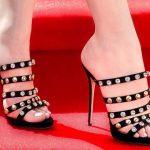 Stiletto Ayakkabı Modelleri Siyah Topuklu Arkası Açık Taş ve Metal İşlemeli