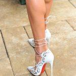 Topuklu Ayakkabı Modelleri Beyaz Bilekten Çapraz Bağcıklı Delikişi