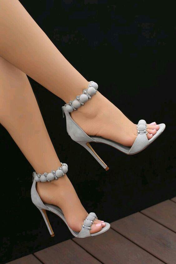 Topuklu Ayakkabı Modelleri Gri Top Düğmeli
