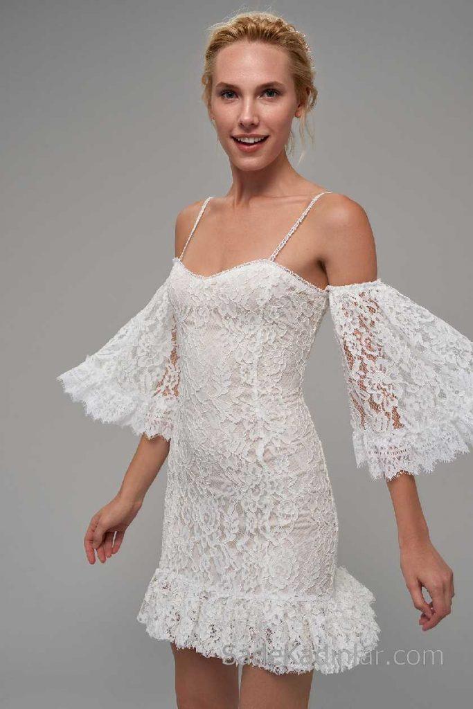 2018 Beyaz Elbise Modelleri Askılı Güpür Detaylı