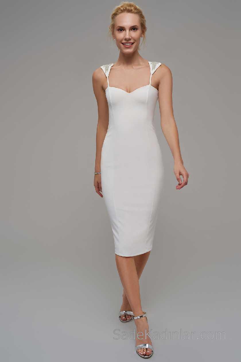 2021 Beyaz Elbise Modelleri Askılı Kalp Yaka Askıları İşleme Detaylı