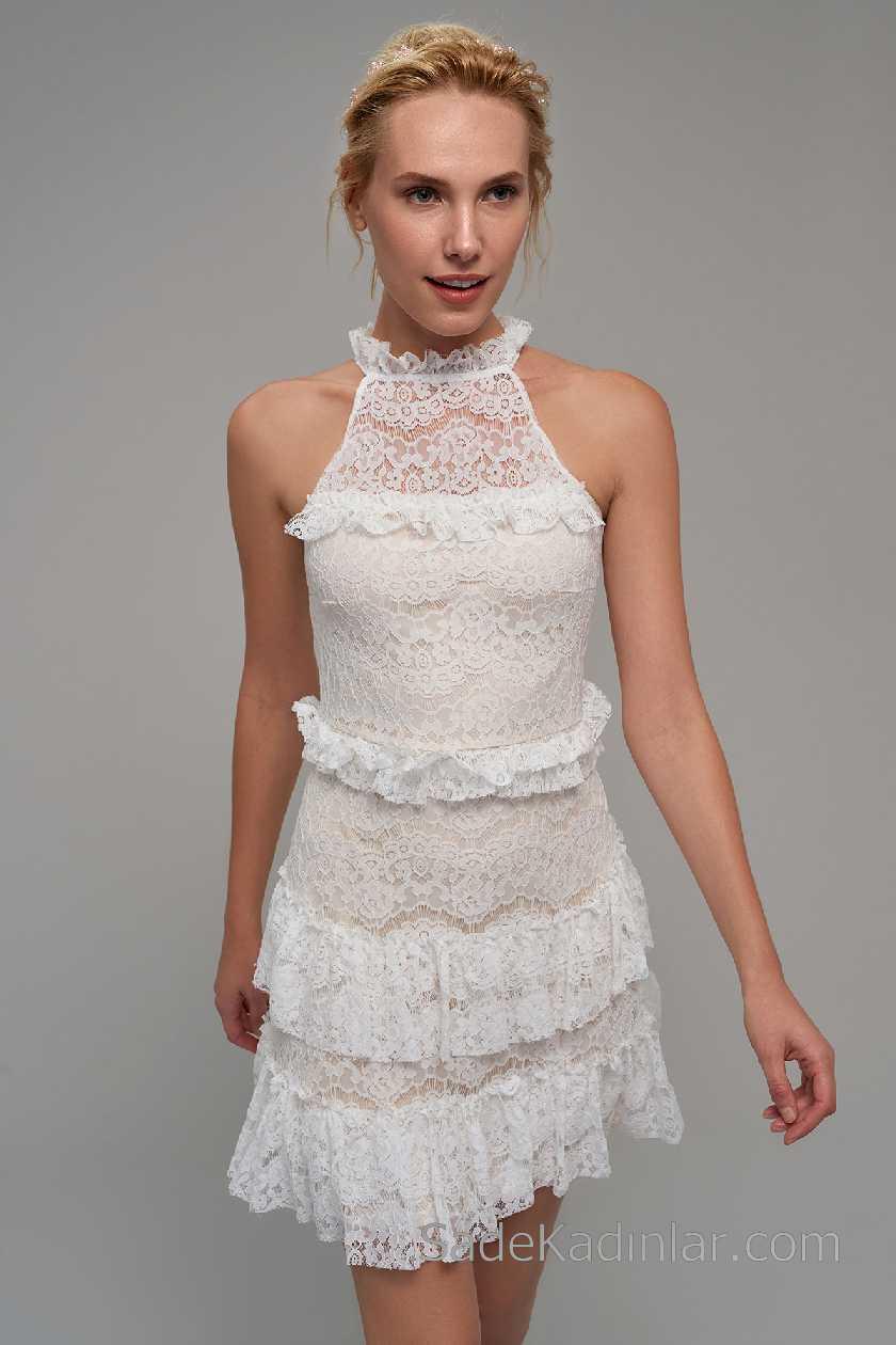 2021 Beyaz Elbise Modelleri Halter Yaka Güpür Dantelli