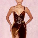 2018 Kadife Elbise Modelleri Altın Sarısı Kısa Askılı Belden Bağlamalı