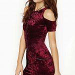 2018 Kadife Elbise Modelleri Bordo Kısa Omuzlar Açık Düşük Kollu Taş Süslemeli